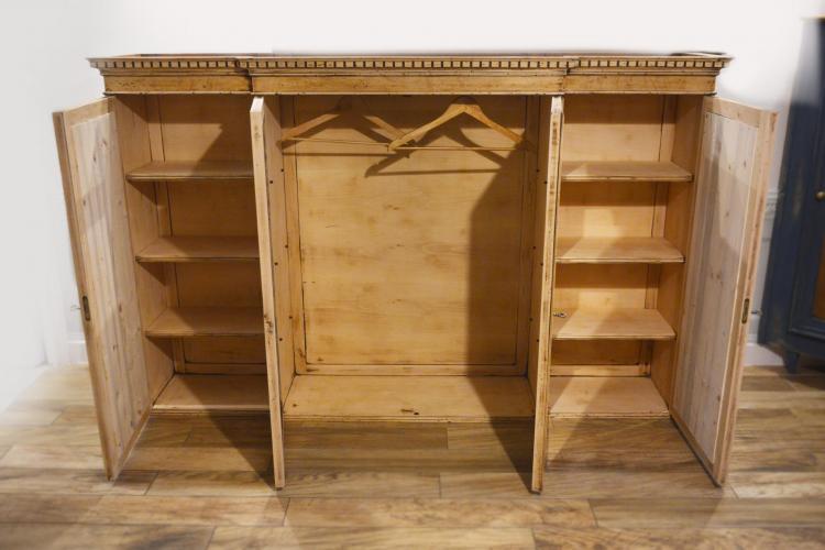 Intérieur meuble indu